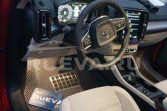 Volvo_XC40_RuEVA_avtokovriki_1